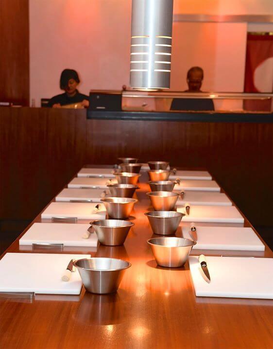 Vorbereitungen für den Sushi Kurs im Sushi Restaurant Sushiya München