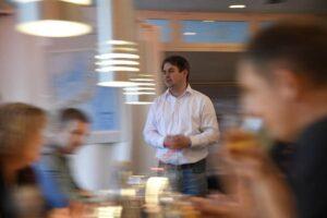 寿司屋「すしやミュンヘン」での日本のジンとウイスキーの試飲会のためにスピーカーを務めました。